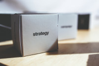 box-letters-strategy-typo